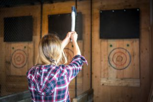Forged - Axe throwing