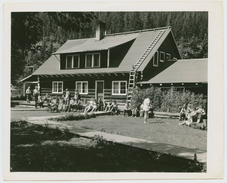 Rainbow Lodge Full of Guests on Alta Lake