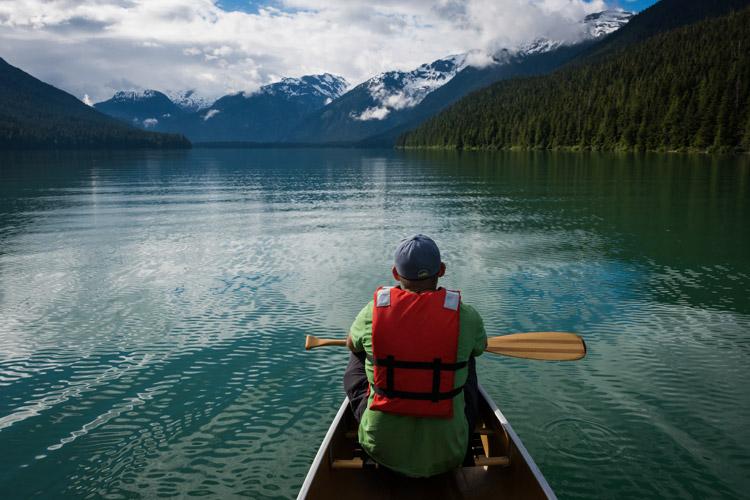 Morning paddle on Cheakamus Lake