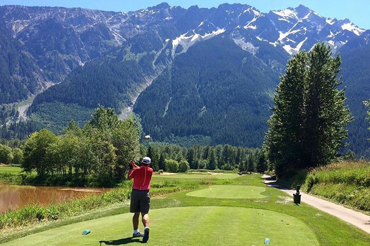 Teeing off with Mt Currie at Big Sky Golf