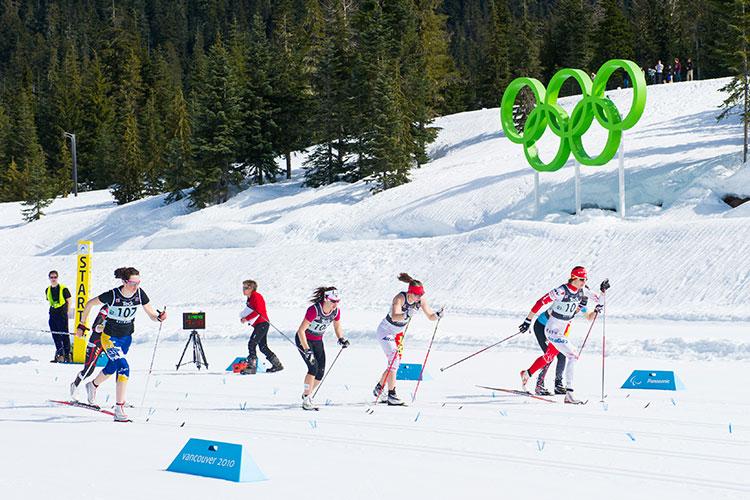 biathletes mid-race
