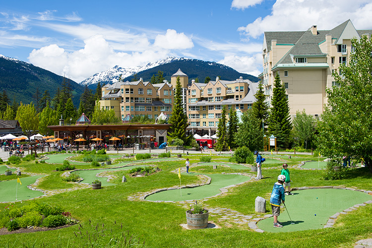 Kids playing mini putt in Whistler