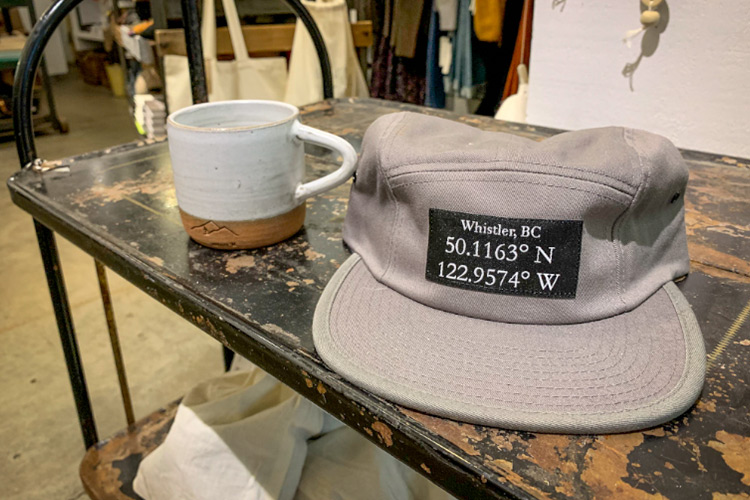 Coordinates hat from 3 Sining Birds