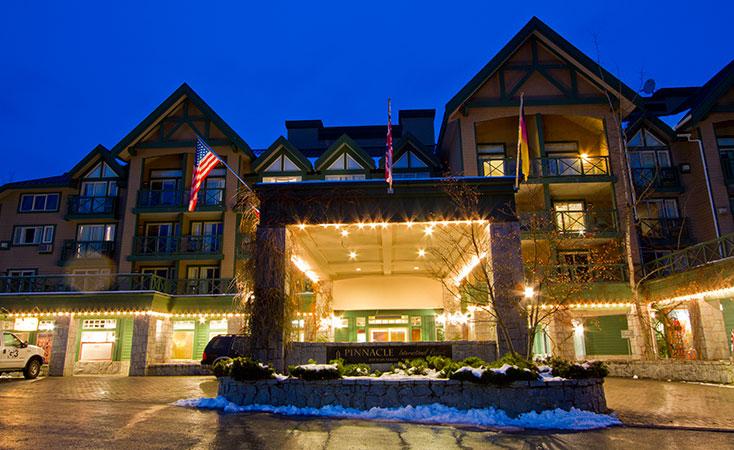 Rooms: Pinnacle Hotel Whistler